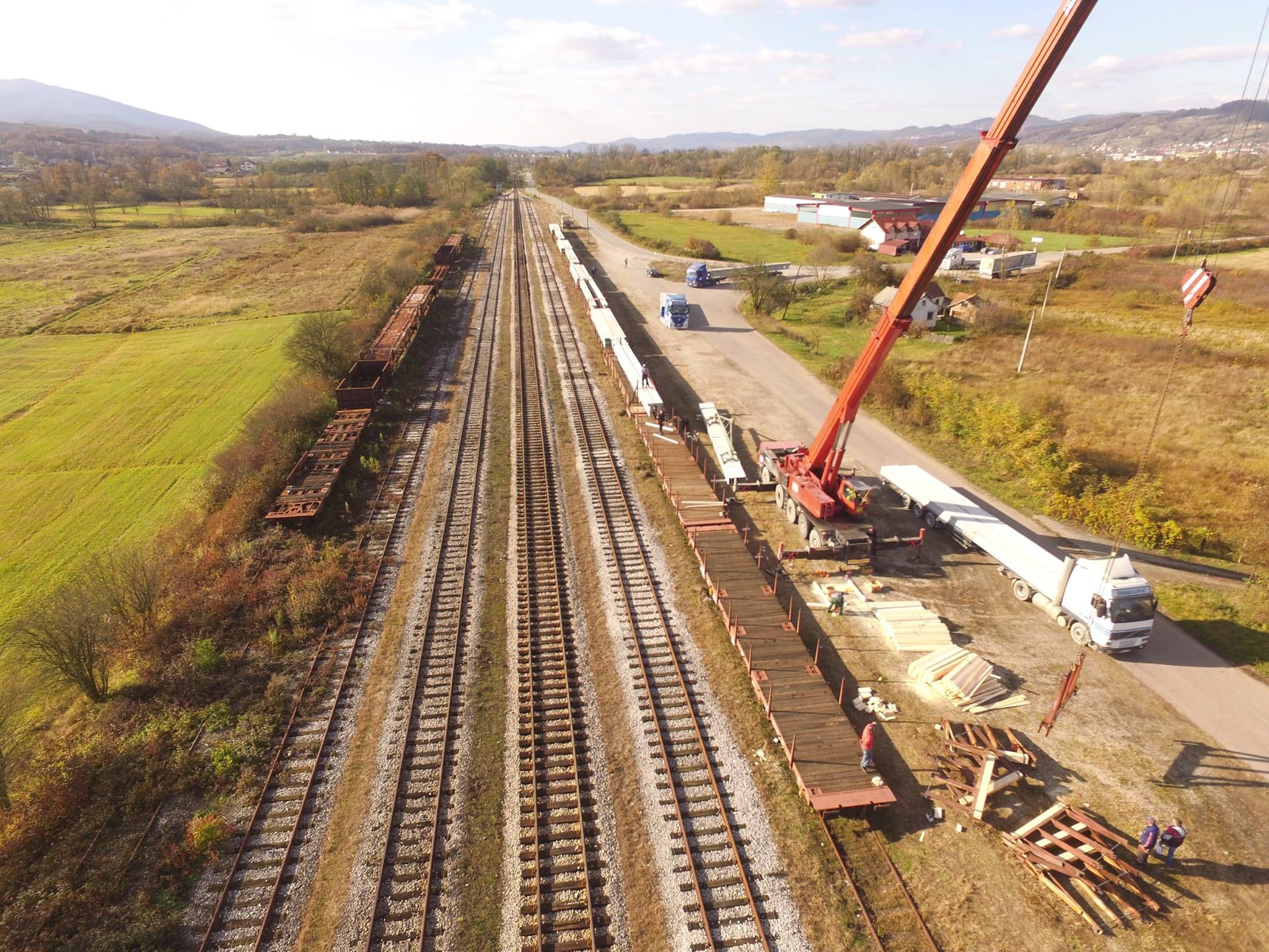 Utovar elemenata AB montažne konstrukcije za transport u Srbiju i Crnu Goru